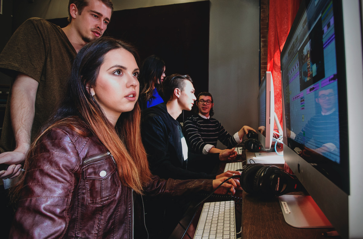How to Select the Right Audio Engineering School