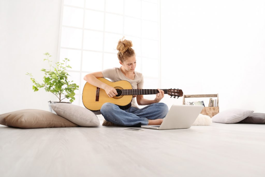 Dark Horse Institute Composition Songwriting Woman Guitar
